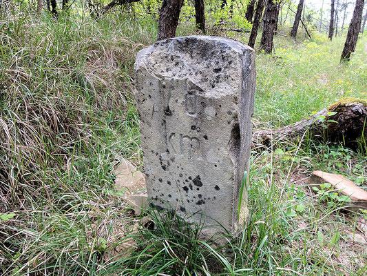 Parenzanaradweg / alter Kilometerstein