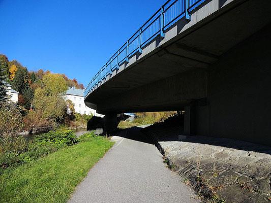 Traisentalradweg zurück
