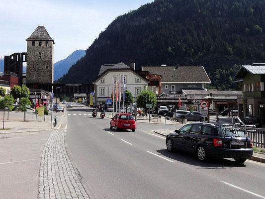 Zur Glockner Hochalpenstraße