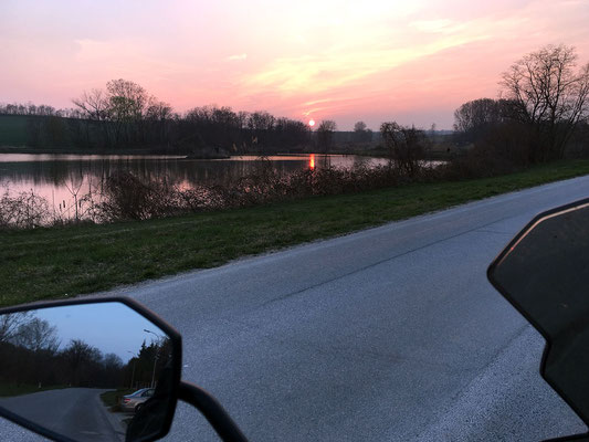 Abendrot am Fischteich in Nexing