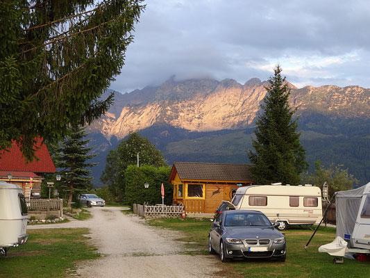 Camping Grimmingsicht im beginnenden Abendrot