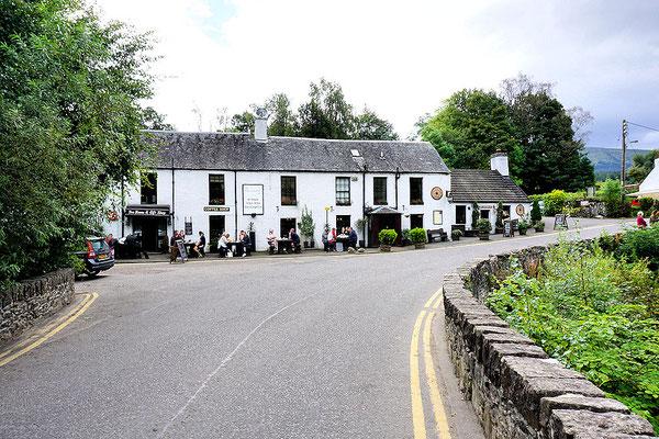 Touristentreff beim Falls of Dochart bei Killin