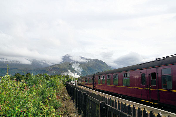 Jakobite Steam Train