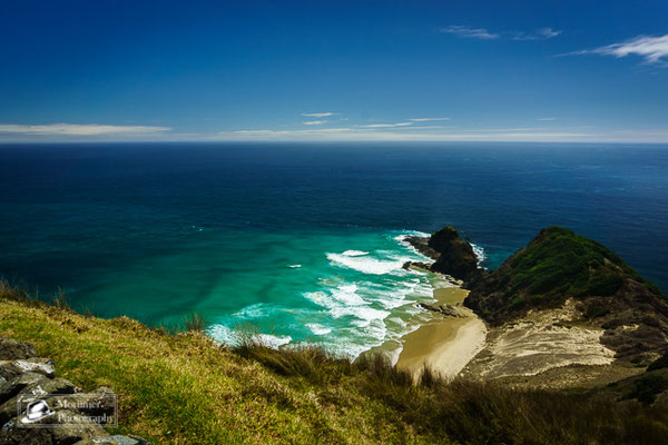 meeting of the tasman sea and the pacific ocean with amazing blue and green water