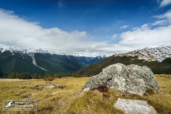 Wahnsinnig gute Aussicht auf die schneebedeckten Berge vom Mount Robert aus