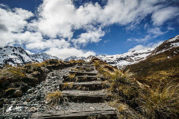 stunning mountain scenery at the arthurs pass at temple basin