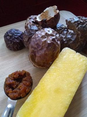 Pineapple core, Black Honey, Passion Fruit