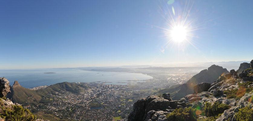 Tafelberg Blick auf Kapstadt   5 Bilder Hochformat    M   ISO 200   f/22   1/60 s    18mm   -Freihand-
