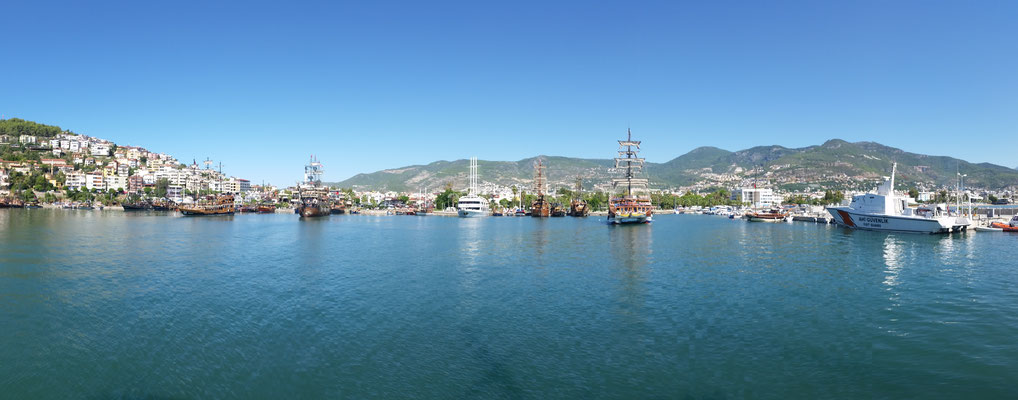 Alanya Hafen   -Freihand-