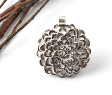 pendentif fleur en faience brune lilibulle