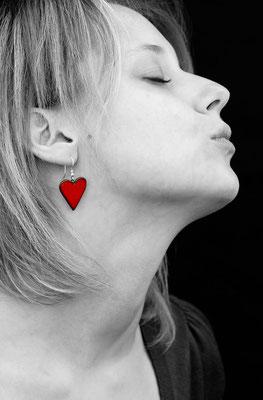 boucle oreille coeur rouge en céramique