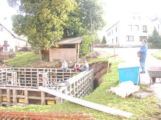 Bau Löschwasserbehälter mit 180.000 Liter Fassungsvermögen unter dem Gemeinschaftshaus