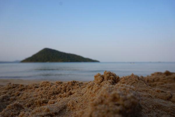 Sand. Wasser. Sonne.