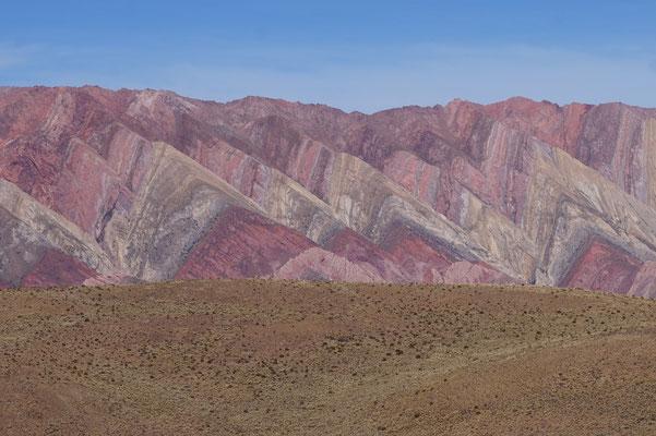 Massiv beeindruckend. Bunte Berge.