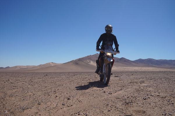 Ich selbst in der Wüste mit der Honda CRf250L / Atacama Rally Chile