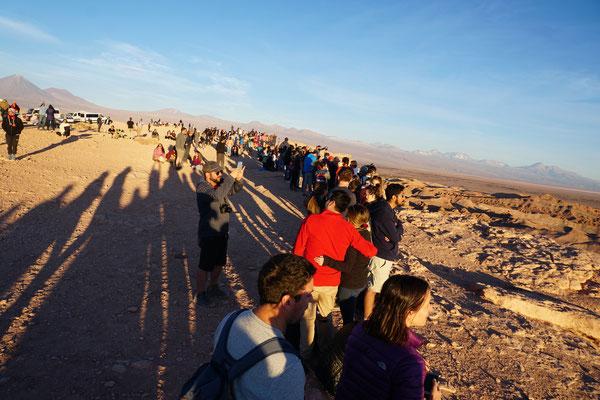 Menschenmassen in Valle de Luna