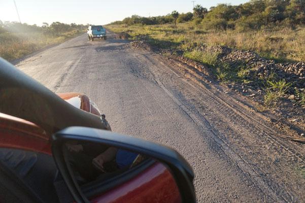 Mehr kaputte Strassen in  / Paraguay