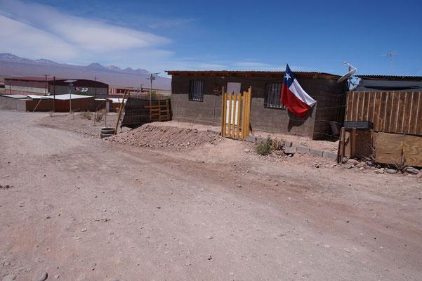 Ein chilenisches Haus  - meistens mit Fahne