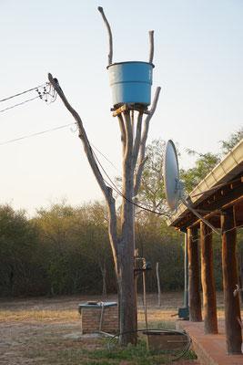 Fotomotiv und Wassertank in  / Paraguay