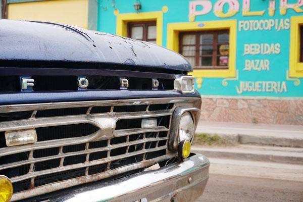 Tolle alte Autos findet man überall in / Argentinien Teil 1