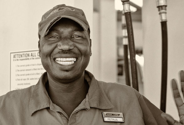 Der freundlichste Tankwart der Welt - Windhoek Namibia