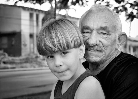Großvater und Enkel - Cuba