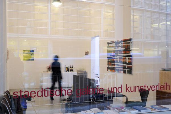 Monika Humm - global Katalogpräsentation 29.11.2009 Artothek, München  Foto: Susanne Hesping