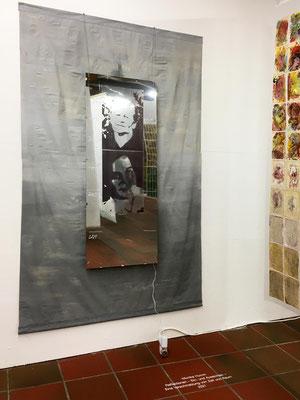 Monika Humm, Reflexionen, 2021, Mixed Media Installation, 200 x 150 cm Ausstellungsansicht: Ein ungeschriebener Roman, Kunstverein Landshut