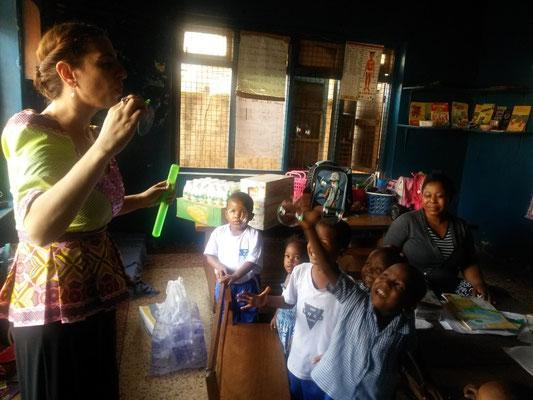 Gül bei ihrem letzten Besuch in Enugu