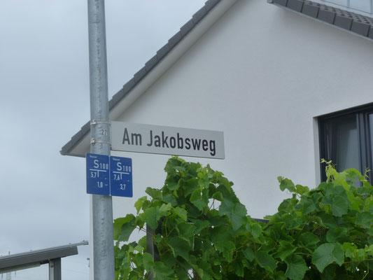 ob hier nur Pilger wohnen (dürfen? müssen?)