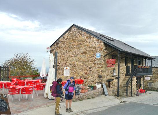 erste Bar im Ort