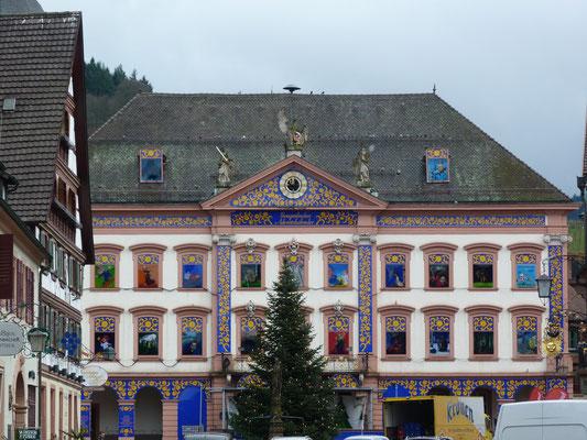 Rathaus mit Adventskalender