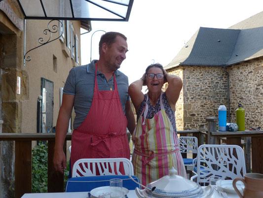 Brigitte, die Herbergsmutter und Guy-Emanuelle, Pilger