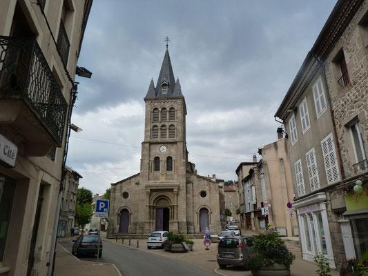 die Kirche in Bourg-Argental