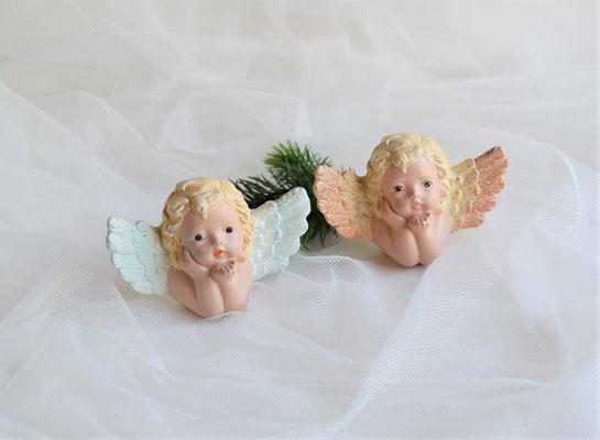 Engelskopf aus Keramik, Flügel in rosa