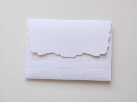 Kuvert weiß-hellblau mit Blumen