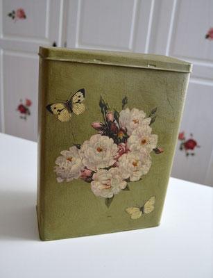 Nosgtalgiedose/Vorratsdose grün mit Motiv Bauernrose mit Schmetterling