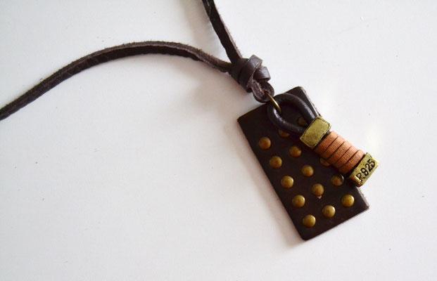 Leder-Halskette mit Anhänger dunkelbraun/gold