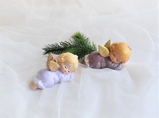 Schlafende Engel aus Keramik