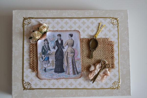 Geschenkschachtel mit Frauen, Schere und Spiegel