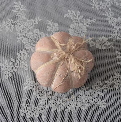 Kürbis aus Steinzeug in Apfelform