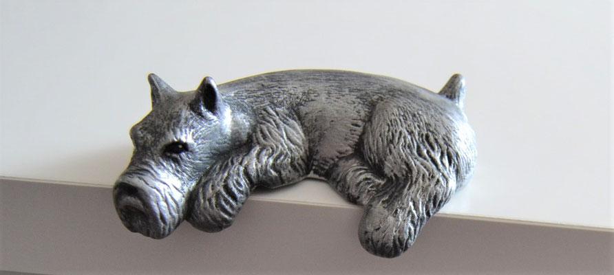 Regalhund Schnauzer