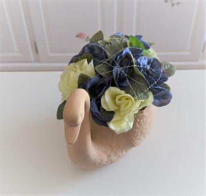 Terracotta Schwan mit Rosen