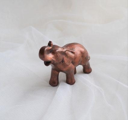 Elefant aus Keramik in Bronzeoptik