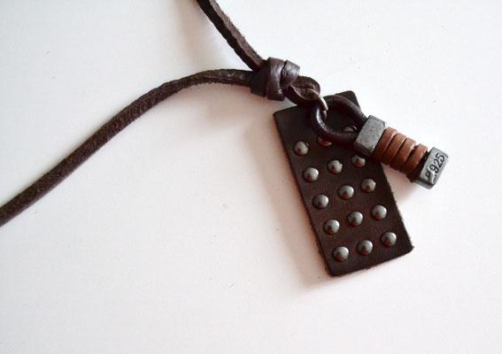 Leder-Halskette mit Anhänger dunkelbraun/schwarz