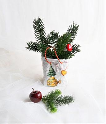 Keramiktüte mit weiß-bunt mit Weihnachtsmotiven