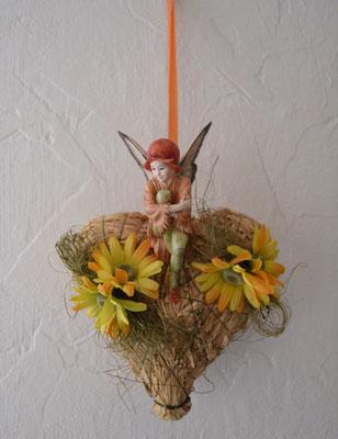 """Flower Fairies """"Weißdorn"""" auf Strohherz"""