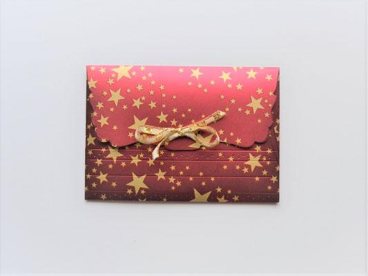 Kuvert rot mit goldenen Sternen