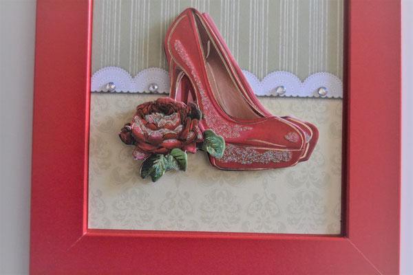 Bild mit roten High Heels