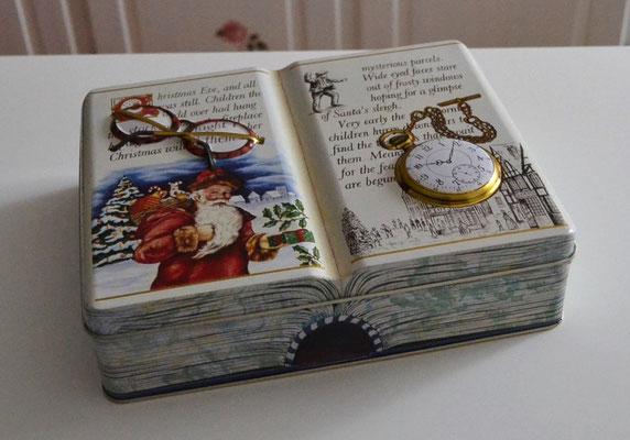 Weihnachtsbuchdose mit Nikolaus, Brille und Uhr
